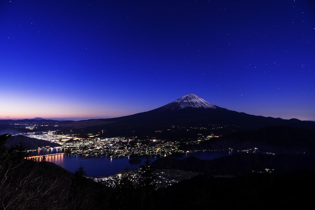 東京の夜景撮影スポット タワーホール船堀 から富 …
