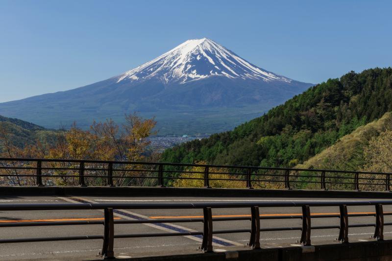 富士見橋と富士山 | 御坂峠に登る途中で撮影しました