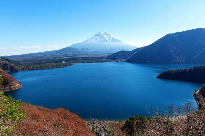本栖湖俯瞰 | パノラマ台から見下ろす本栖湖