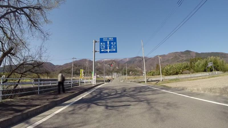 [ わに塚の桜・道路 ]