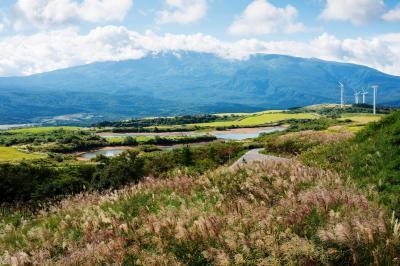 仁賀保高原と鳥海山  圧倒的な迫力の鳥海山と開放感溢れる高原