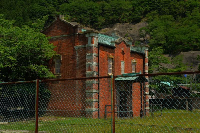 [ 旧足尾鉱業所付属倉庫 ]  古川掛水倶楽部にある古い倉庫。1910年に建築された倉庫です。