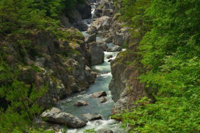 大観  龍王峡を代表する景観のひとつ。むささび橋の少し上流側にある展望場所から、峡谷の絶景を味わうことができます。