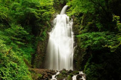 2段の滝| 上部の斜め感が面白い