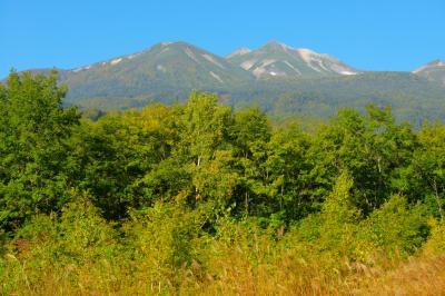 乗鞍岳眺望| 「善五郎の滝駐車場」から見る乗鞍岳。雄大な乗鞍連峰が目の前に広がります。