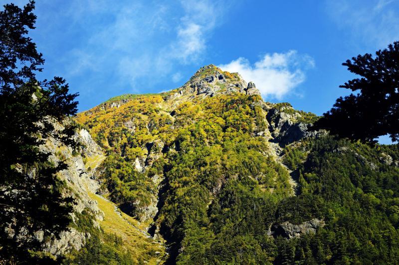 [ 上高地 No1 ]  北アルプスの山々が目の前に見えます