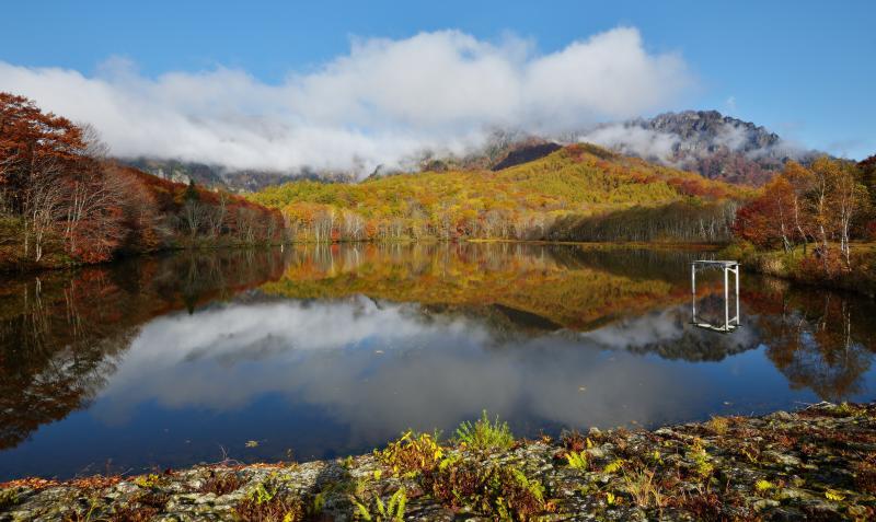 [ 鏡池全景 ]  池の全体像を撮影しました