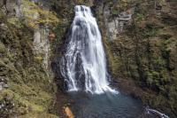 番所大滝全貌| 滝つぼ・滝・岩とバランスが素晴らしい