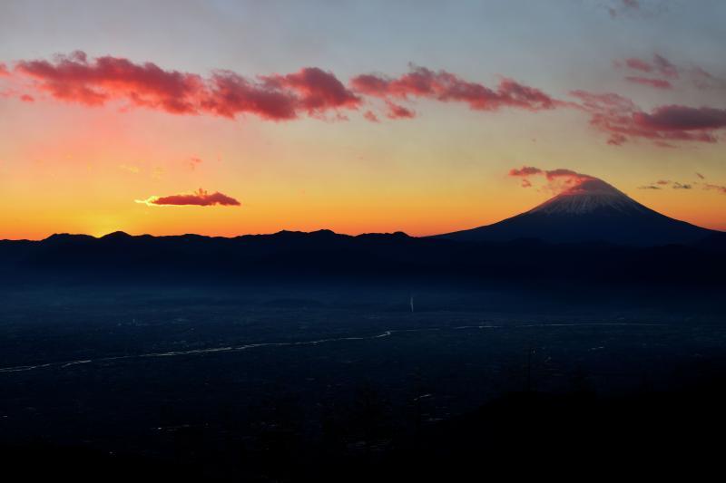 [ 甘利山眺望 ]  甲府盆地と富士山の眺望が素晴らしい