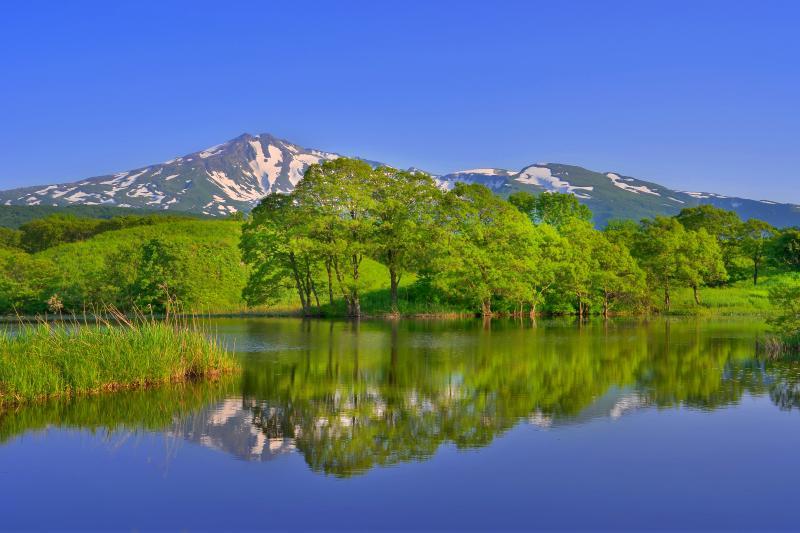 [ 十八森池 ]  冬師湿原にある小さくて静かな池です。