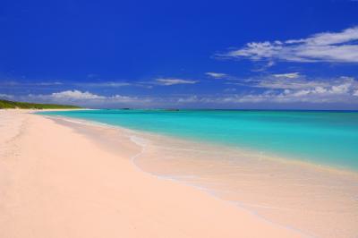 ニシハマビーチ| 美しい砂浜と波照間ブルーの海が時の流れを忘れさせてくれます。