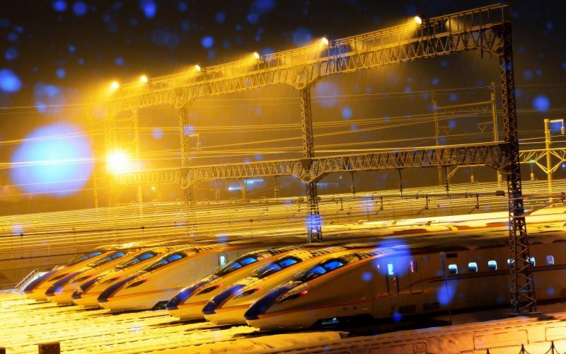 [ Seven ]  雪の中で静かに佇む7本のE7系
