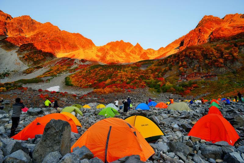 紅葉モルゲンロート | 穂高連峰の目覚め