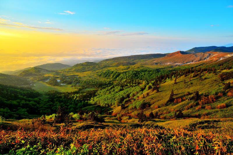 渋峠朝景 高気圧に覆われ快晴予報の朝。地上の湿度が高く雲海が出現しました。