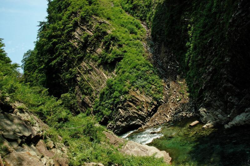 [  ]  第二見晴所。ここは丸淵と呼ばれており、川が蛇行して流れています。