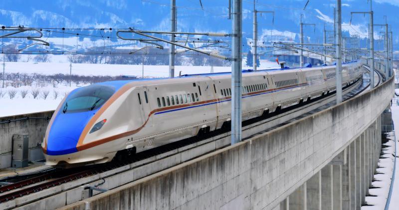 [ 北陸新幹線 ]  飯山駅に向かう北陸新幹線