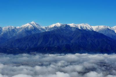 長峰山 北アルプス| 安曇野を覆う雲海が次第に晴れていきました。